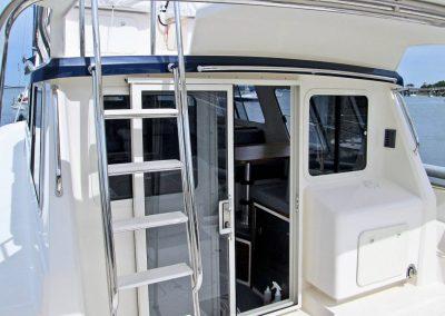 Seasport Pacific 32 Catamaran exterior