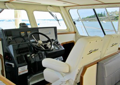 Seasport Pacific 32 Catamaran console